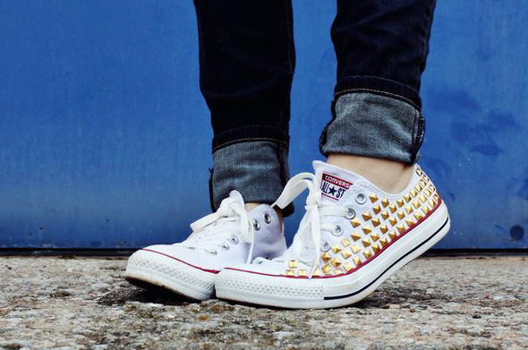 84bed309ff18 How To Make Your Own DIY Studded Converse